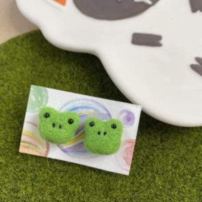 豆點動物耳環 – 青蛙