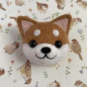 動物頭心口針 – 柴犬(赤)