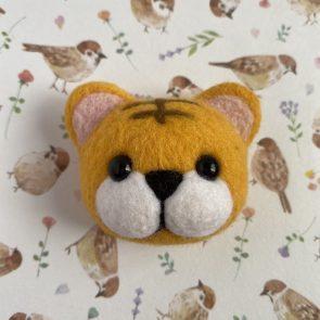 動物頭心口針 – 老虎