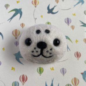 動物頭心口針 – 海豹