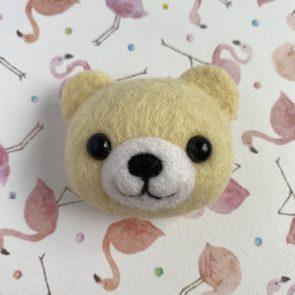 動物頭心口針 – 彩色熊仔(粉黃)